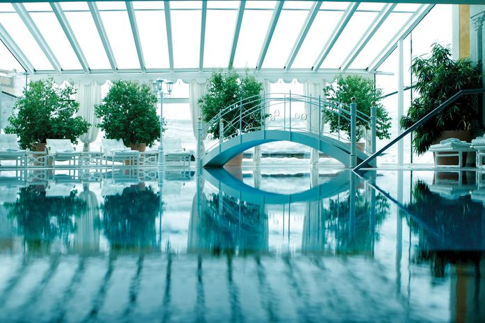 vitalspa-02-indoor-pool